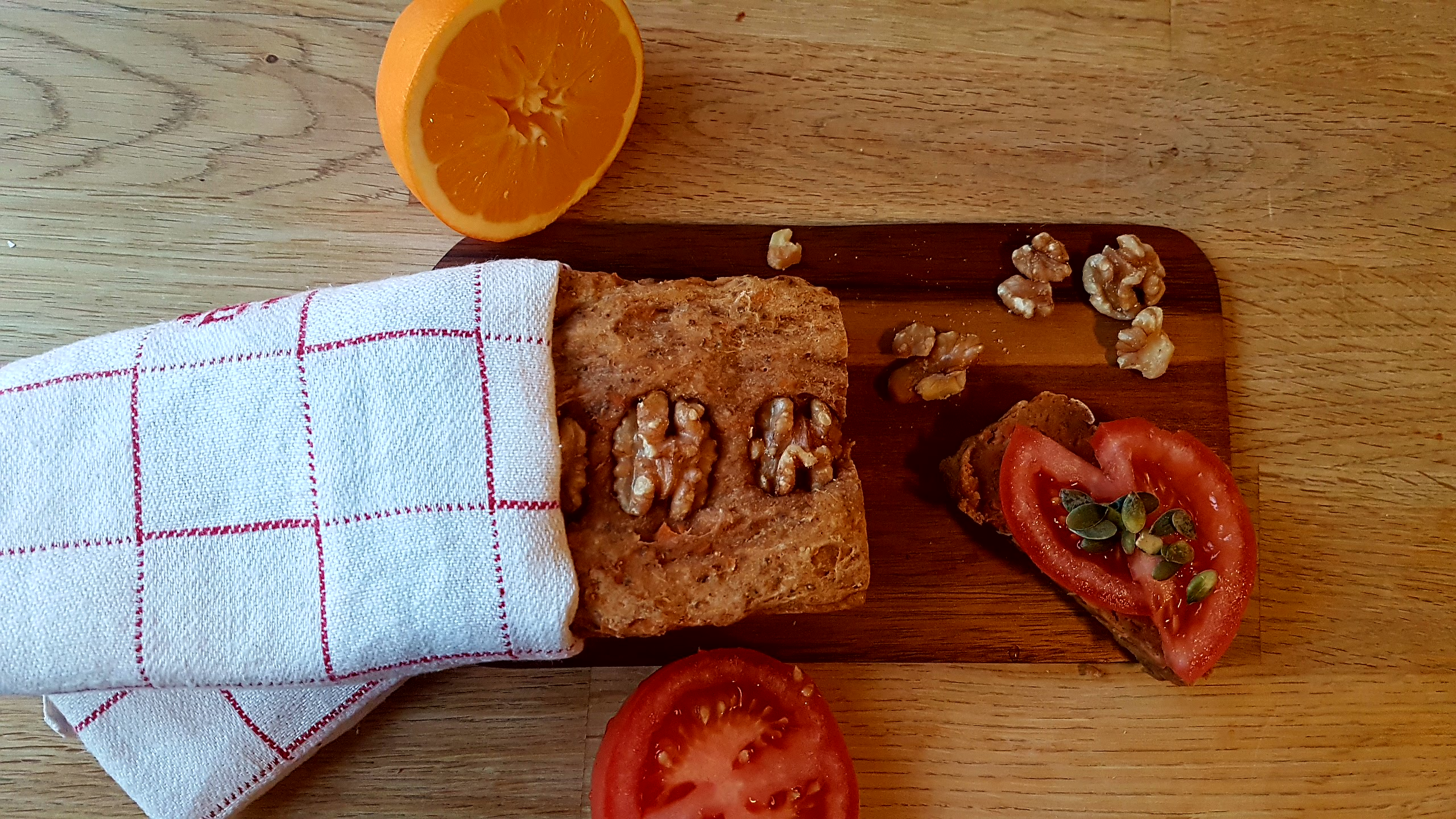 veganskt bröd med morot