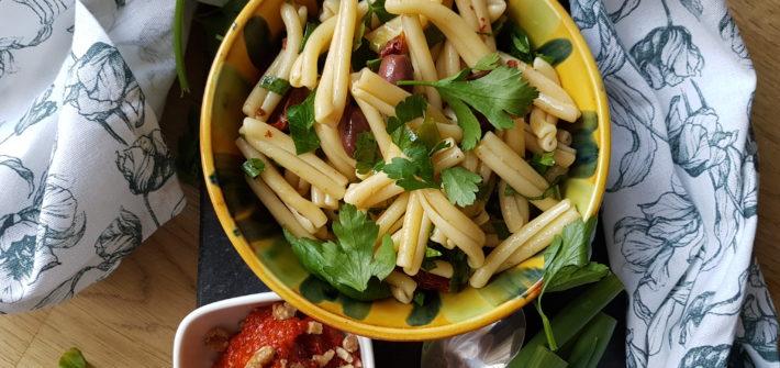 italiensk vegetarisk pastasallad