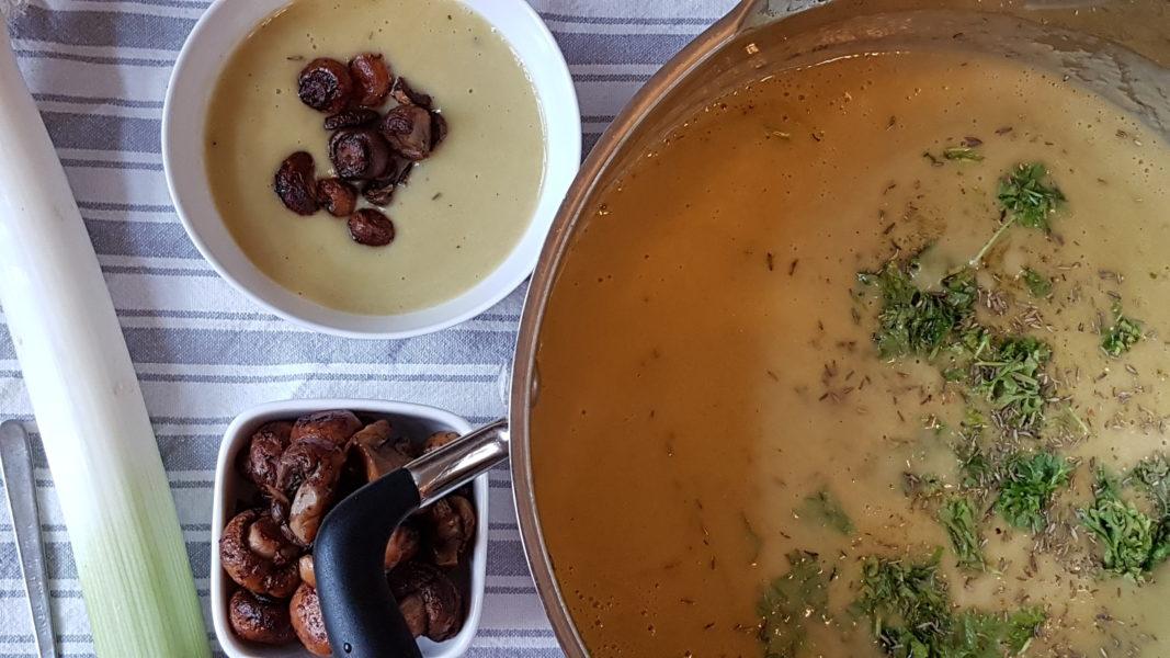 potatissoppa med purolök