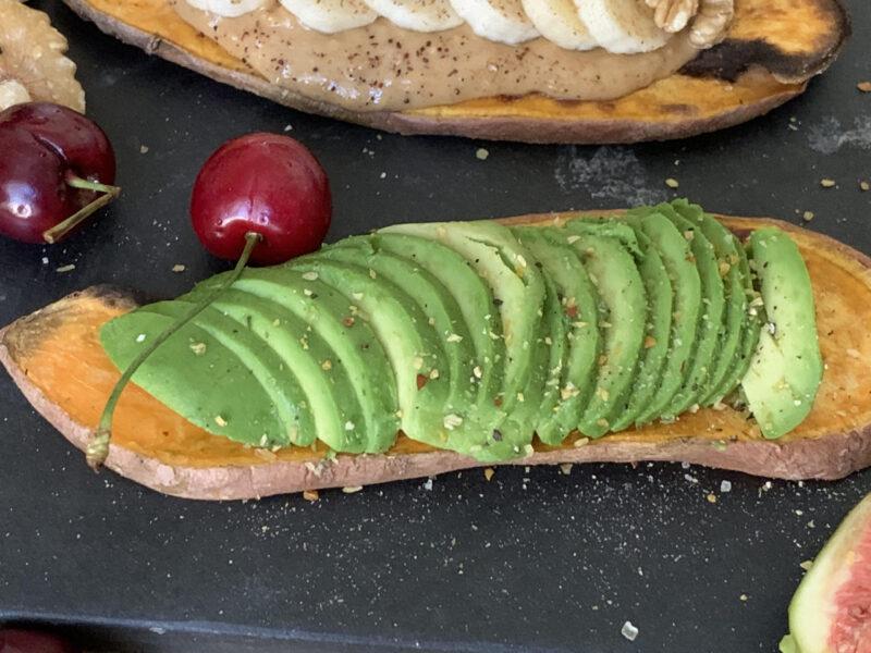rostad sötpotatis avocado